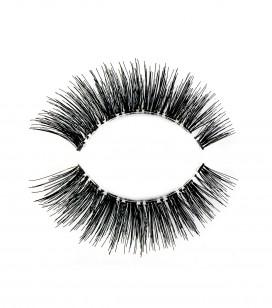 False eyelashes - regard envoûtant