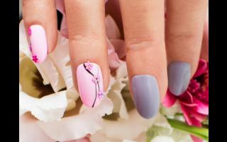Nail art en fleurs
