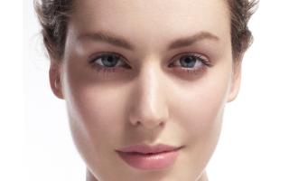 Atout beauté : des sourcils naturellement structurés