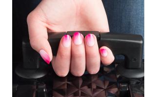 Show-off nails: the sponge gradient