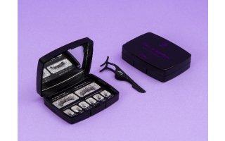 Magnetic false eyelashes with 3 magnets