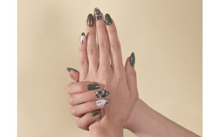 Gel and semi-permanent lacquer camouflage look
